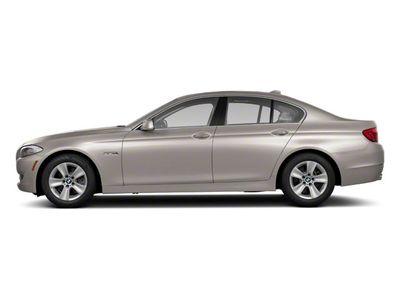 2011 BMW 5 Series 550i xDrive Sedan