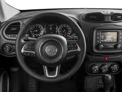 2017 Jeep Renegade Latitude FWD - Click to see full-size photo viewer