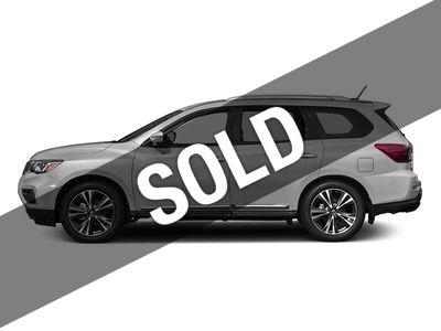 2017 Nissan Pathfinder PLATINUM W/ FAMILY ENTERTAINMENT PKG.
