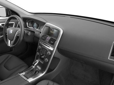 2017 Volvo XC60 T5 FWD Inscription - Click to see full-size photo viewer