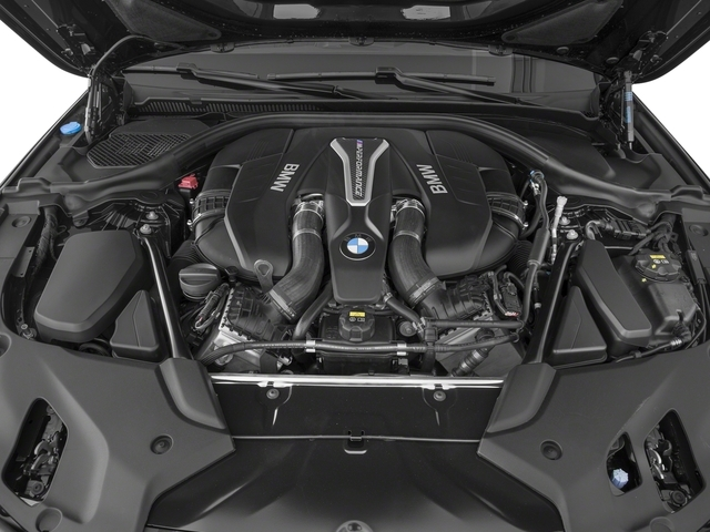 2018 BMW 5 Series M550i xDrive - Click to see full-size photo viewer