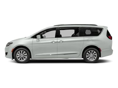 2018 Chrysler Pacifica Limited FWD - Click to see full-size photo viewer