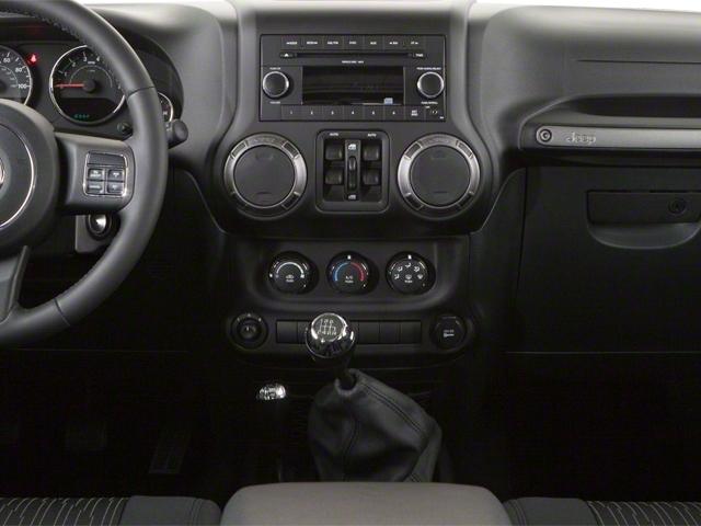 2010 Jeep Wrangler Unlimited 4WD 4dr Sahara - 18444091 - 10