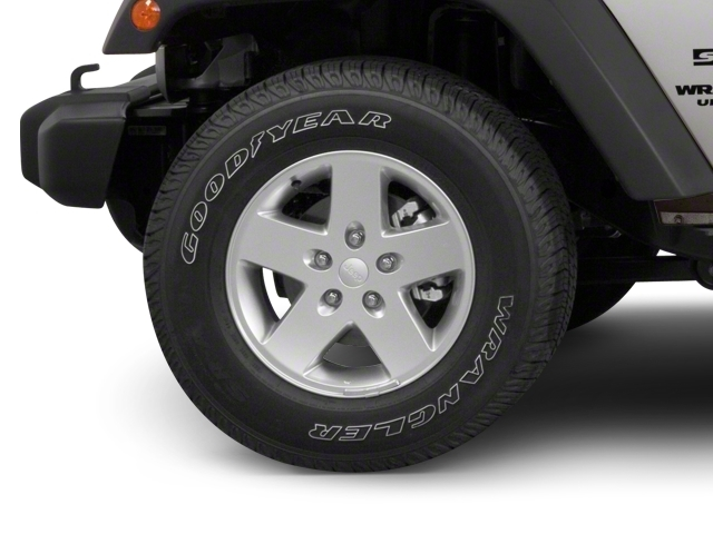 2010 Jeep Wrangler Unlimited 4WD 4dr Sahara - 18444091 - 11