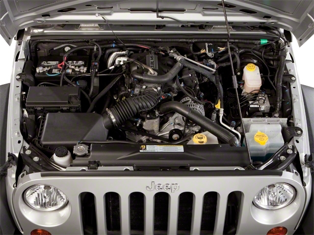 2010 Jeep Wrangler Unlimited 4WD 4dr Sahara - 18444091 - 13