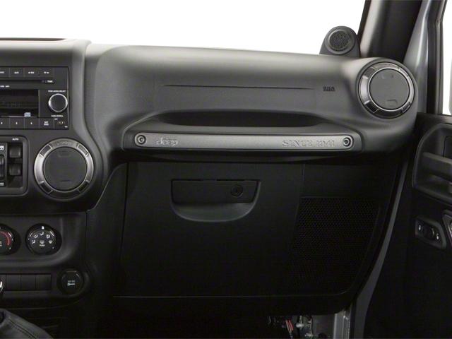 2010 Jeep Wrangler Unlimited 4WD 4dr Sahara - 18444091 - 17