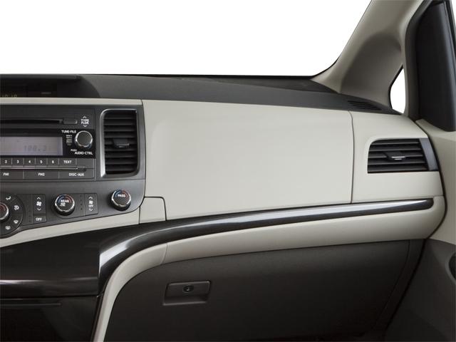 2011 Toyota Sienna 5dr 7-Passenger Van V6 Ltd AWD - 18712847 - 17