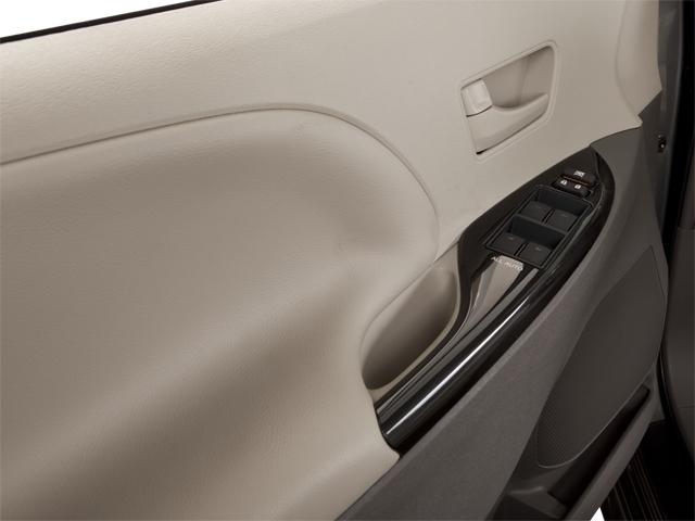 2011 Toyota Sienna 5dr 7-Passenger Van V6 Ltd AWD - 18712847 - 8