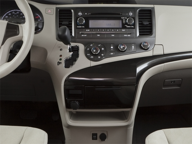 2012 Toyota Sienna 5dr 7-Passenger Van V6 XLE AWD - 18575880 - 10