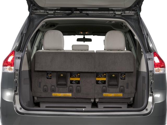 2012 Toyota Sienna 5dr 7-Passenger Van V6 XLE AWD - 18575880 - 12