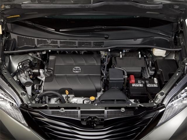 2012 Toyota Sienna 5dr 7-Passenger Van V6 XLE AWD - 18575880 - 13