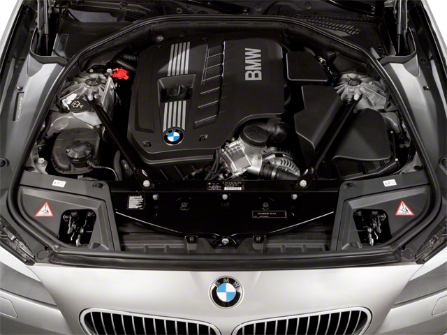 2013 BMW 5 Series 528i xDrive - 17431880 - 13