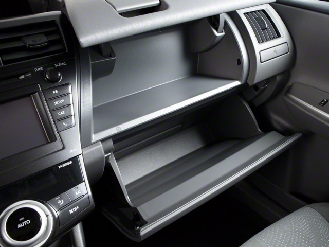 2013 Toyota Prius v 5dr Wagon Two - 18609113 - 15