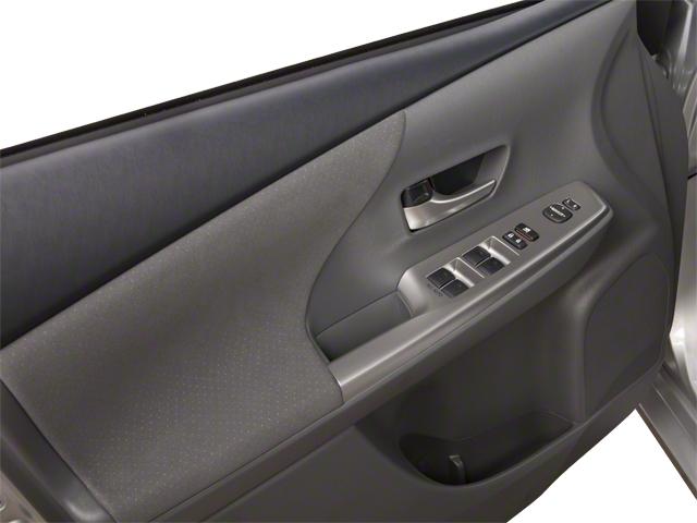 2013 Toyota Prius v 5dr Wagon Two - 18609113 - 8