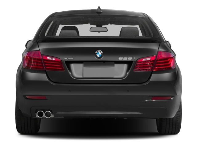 2015 BMW 5 Series 528i xDrive - 17981351 - 4