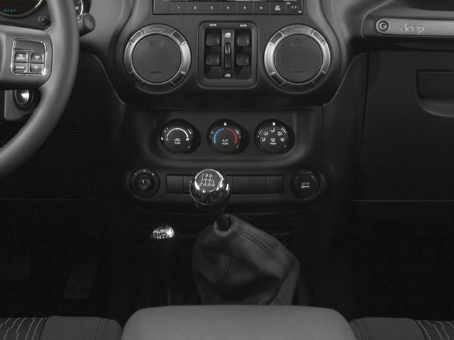 2015 Jeep Wrangler Unlimited 4WD 4dr Sport - 17555990 - 9