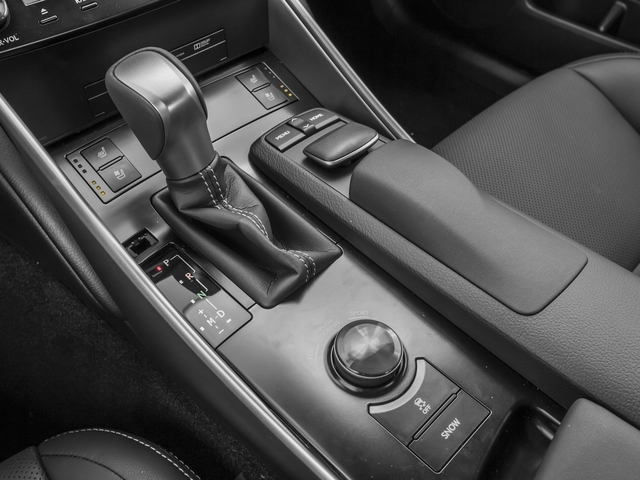 2015 Lexus IS 350 4dr Sedan AWD - 17040574 - 9