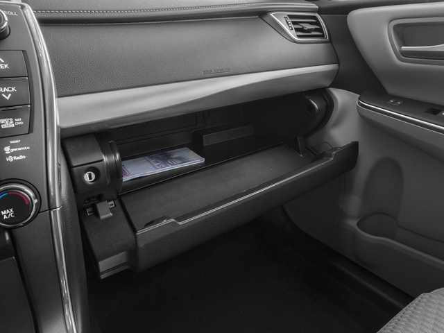 2015 Toyota Camry 4dr Sedan I4 Automatic SE - 18600843 - 14