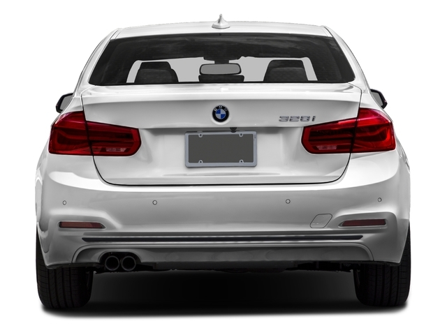 2016 BMW 3 Series 328i xDrive - 18464763 - 4