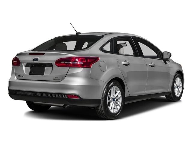 2016 Ford Focus SE Sedan - 18603411 - 2