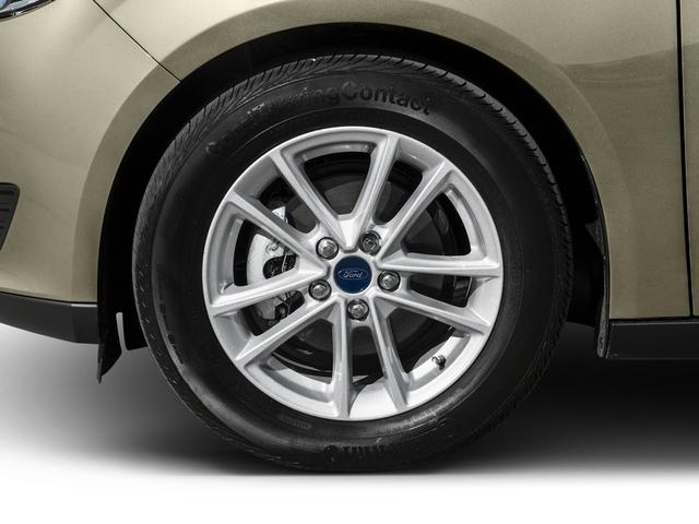 2016 Ford Focus SE Sedan - 18603411 - 10