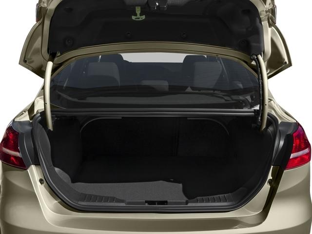 2016 Ford Focus SE Sedan - 18603411 - 11