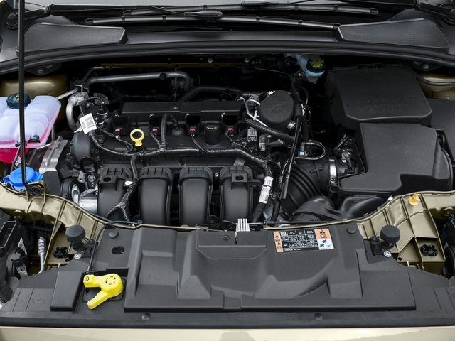 2016 Ford Focus SE Sedan - 18603411 - 12