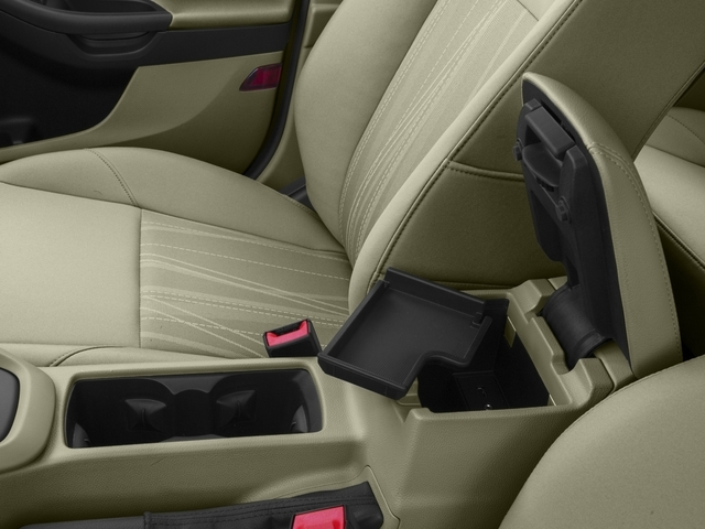 2016 Ford Focus SE Sedan - 18603411 - 15