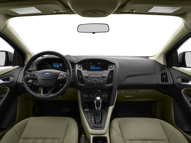 2016 Ford Focus SE Sedan - 18603411 - 6