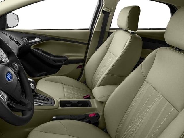 2016 Ford Focus SE Sedan - 18603411 - 7
