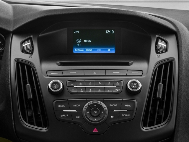 2016 Ford Focus SE Sedan - 18603411 - 8