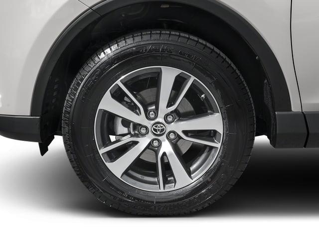 2016 Toyota RAV4 AWD 4dr XLE - 18819400 - 9