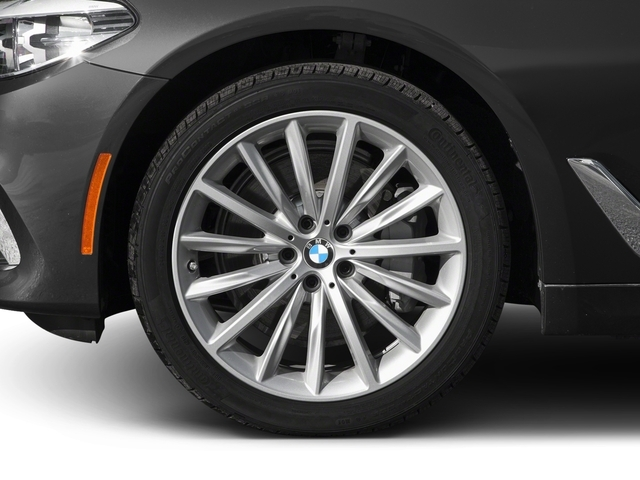 2017 BMW 5 Series 530i xDrive - 16549833 - 9