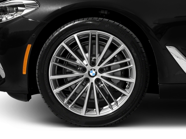 2017 BMW 5 Series 540i xDrive - 16625453 - 9