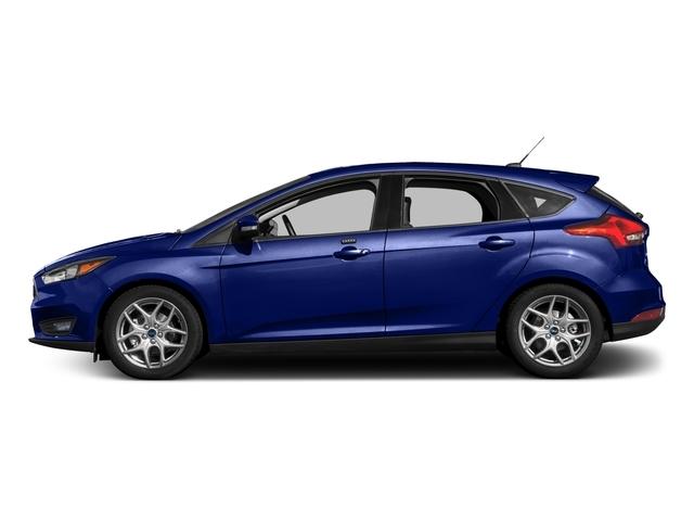 2017 Ford Focus SE Hatch - 16710040 - 0