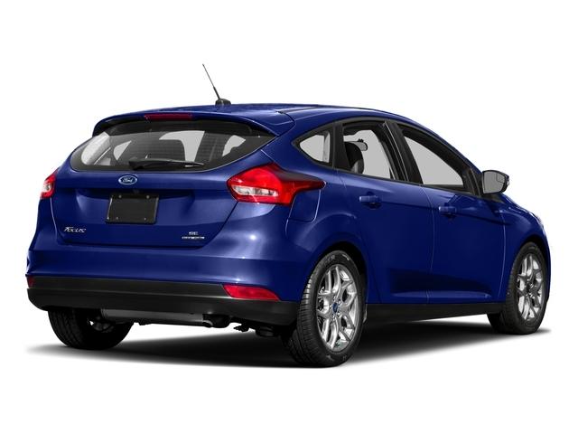 2017 Ford Focus SE Hatch - 16710040 - 2