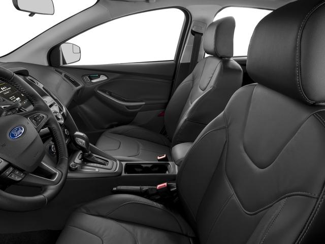 2017 Ford Focus SE Hatch - 16710040 - 7