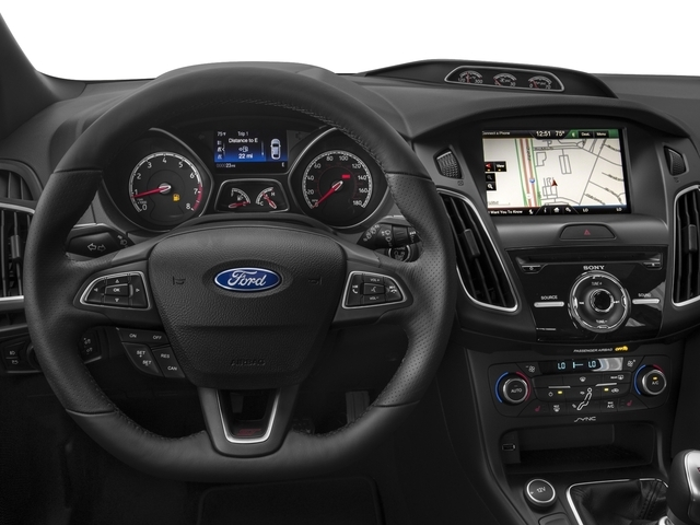 2017 Ford Focus Base - 16664783 - 5