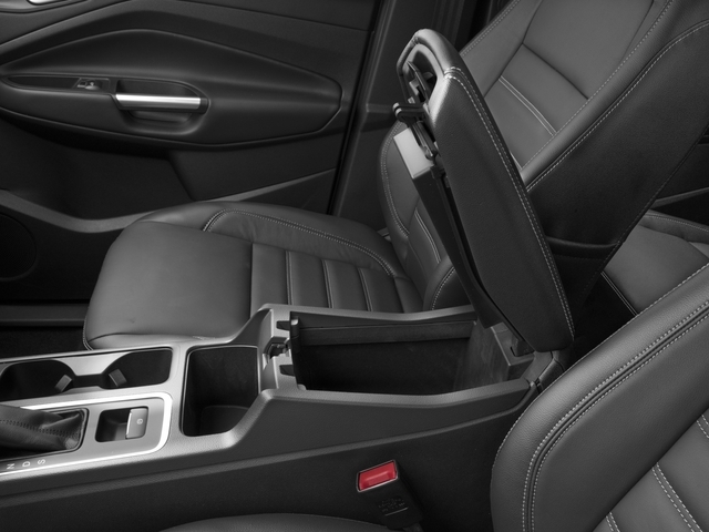 2017 Ford Escape Titanium 4WD - 16739071 - 13