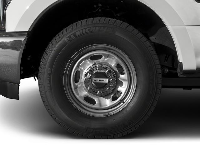 2017 Ford Super Duty F-350 SRW XL 4WD Crew Cab 8' Box - 16271762 - 9