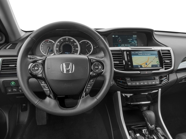 2017 Honda Accord Sedan Touring Automatic - 16704717 - 5
