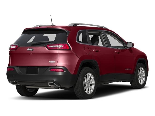 2017 Jeep Cherokee Latitude FWD - 18588523 - 2