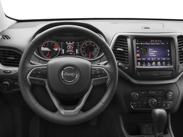 2017 Jeep Cherokee Latitude FWD - 18588523 - 5
