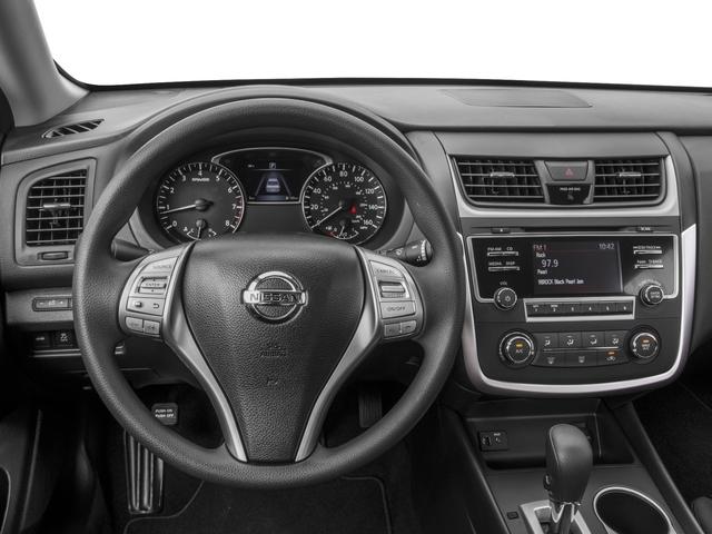 2017 Nissan Altima 2.5 SV - 17111831 - 5