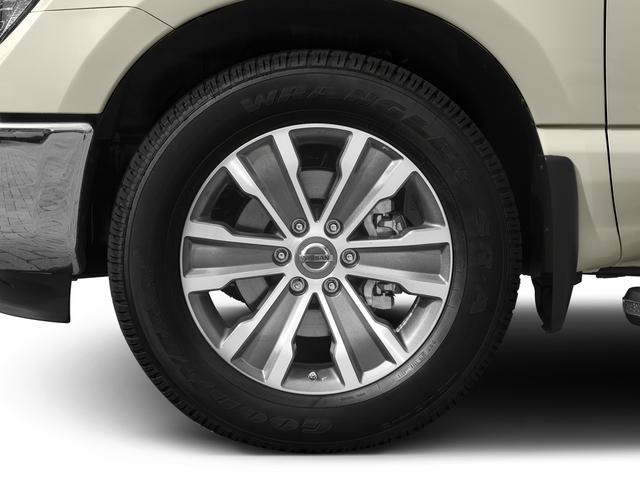 2017 Nissan Titan 4x4 Crew Cab SL - 17111735 - 9