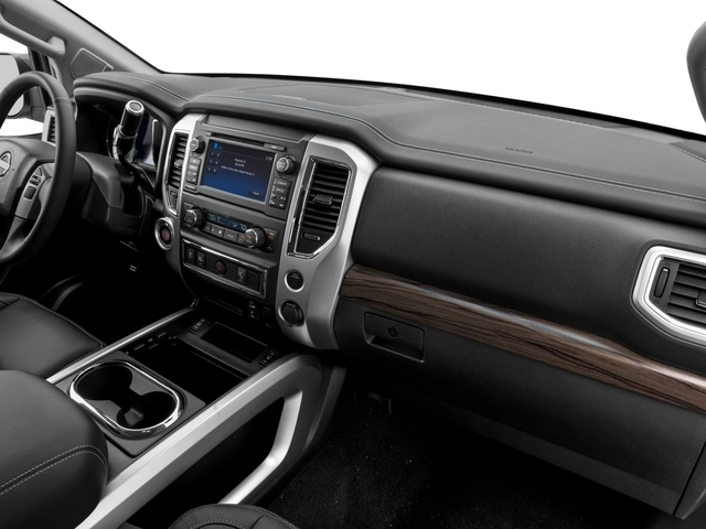 2017 Nissan Titan 4x4 Crew Cab SL - 17111735 - 14
