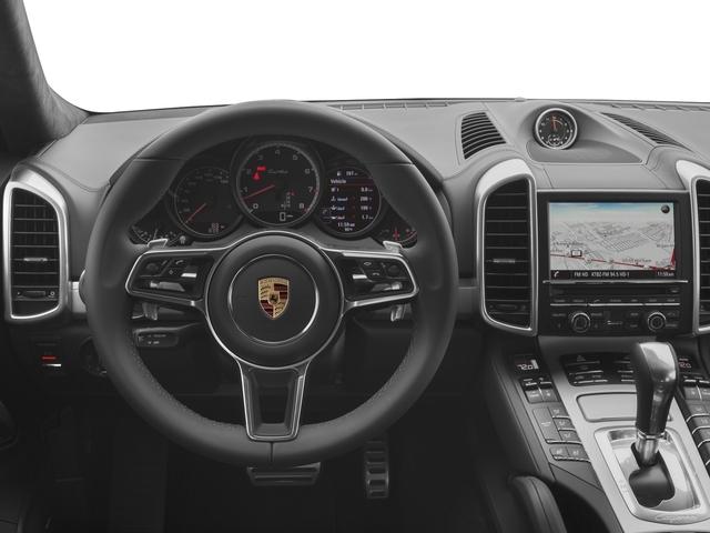 2017 Porsche Cayenne Turbo S AWD - 18467133 - 5