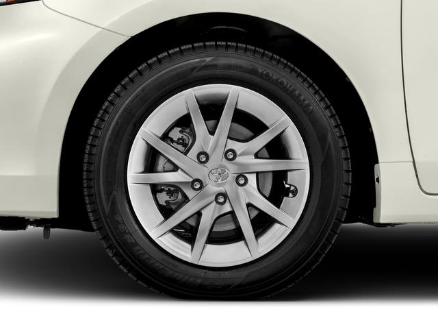 2017 Toyota Prius v Two - 17026654 - 9
