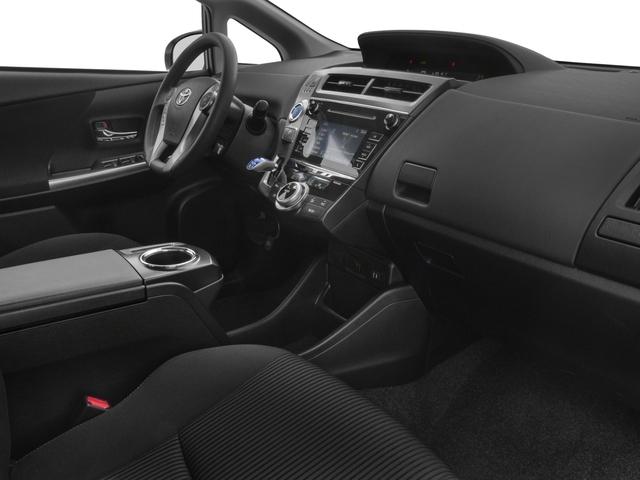 2017 Toyota Prius v Two - 17026654 - 14