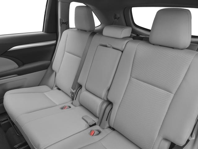 2017 Toyota Highlander LE Plus V6 AWD - 17037883 - 11